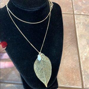 💐5/25 Filigree leaf gold tone Lauren Conrad